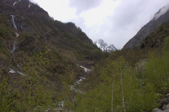 En montant à Entre les Aygues, vallée de l'Onde
